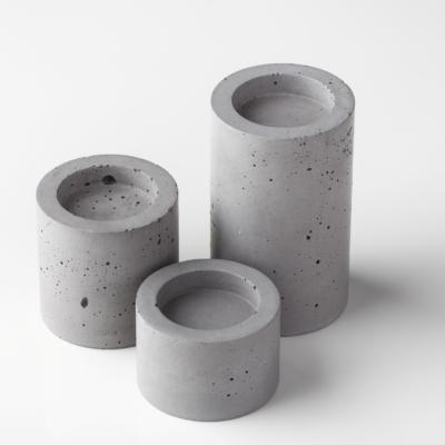 betonový svícen