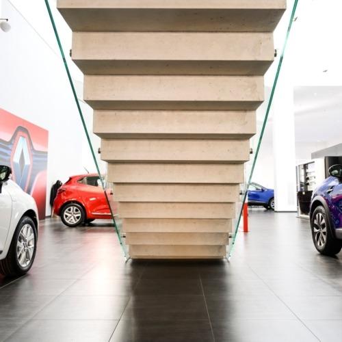 monolitické schodiště Renault
